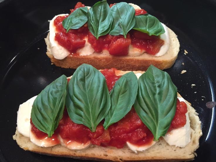 Prettaly_ItalianTricoloreSandwich_Pan