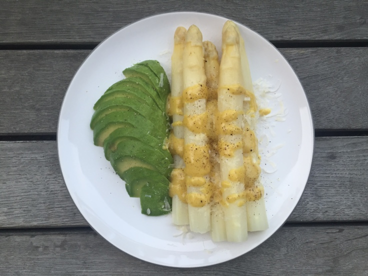 Prettaly_AsparagusWithAvocado.JPG
