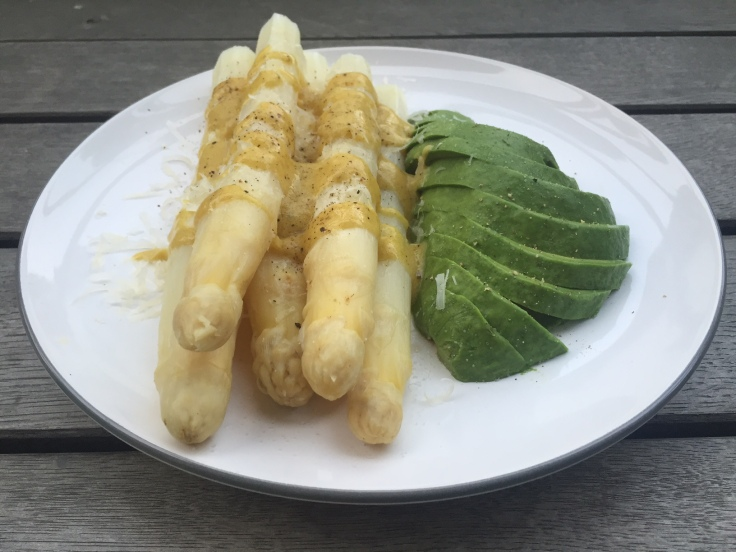 Prettaly_AsparagusWithAvocado_2.JPG